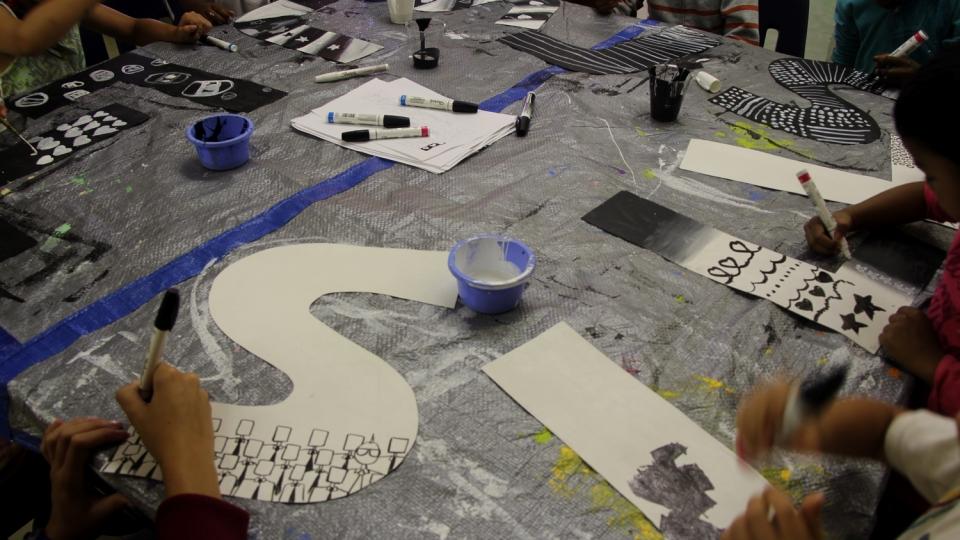 au fil de l'eau – phillip adams – 2013 - ateliers jeunesse