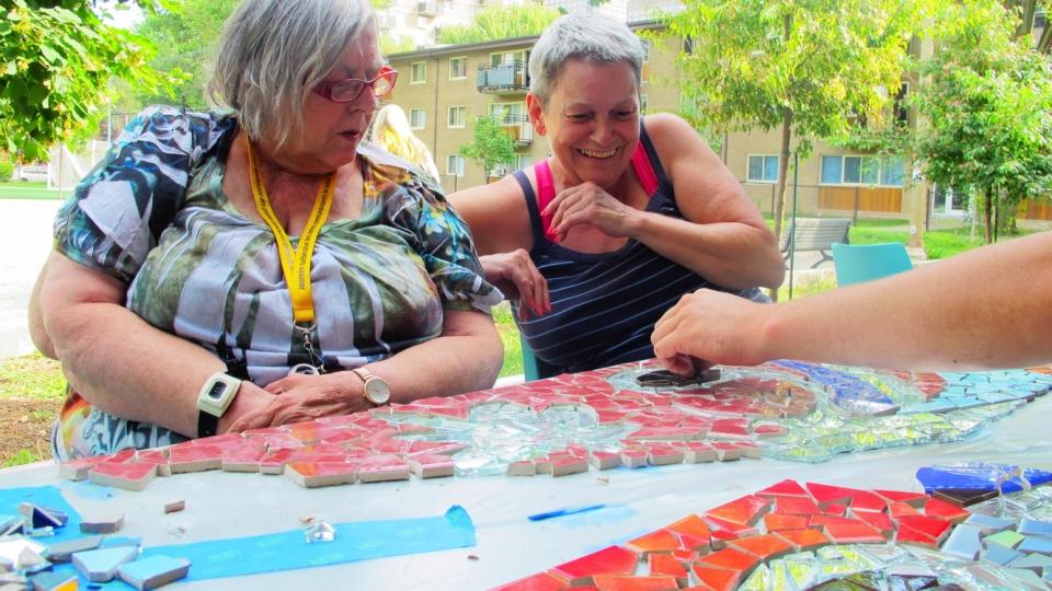 au fil de l'eau – phillip adams – 2013 - ateliers mosaïque